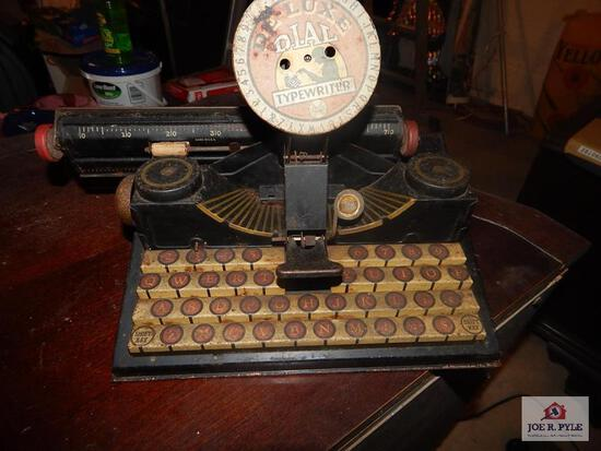 Deluxe dial toy typewriter