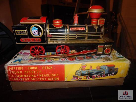 Battery OP smoking pop locomotive w/ box