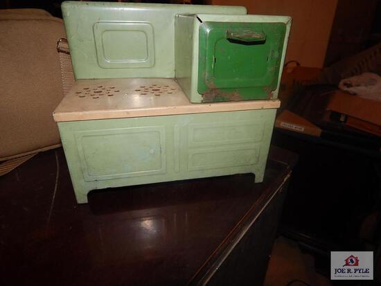 Tine toy stove