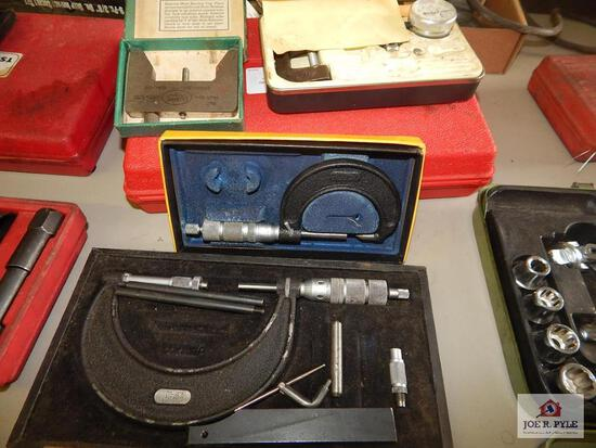 Lot of micrometers & crankshaft gauge