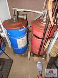 Gear oil barrels & pumps
