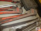 3 Pipe wrenches