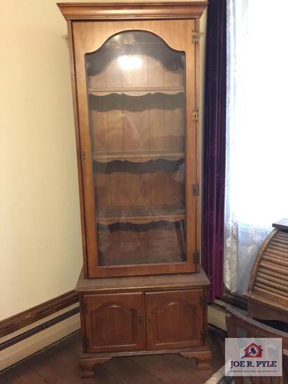 Modern 3 door display cabinet