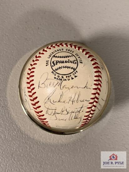 Novelty/Non-Authenticated 1971 Pittsburgh Pirates Team Ball