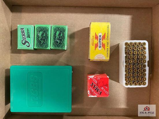 Lot of .218 Bee casings, an RCBS reloading die & 3 boxes of Sierra bullets .224 diameter, 1 box of