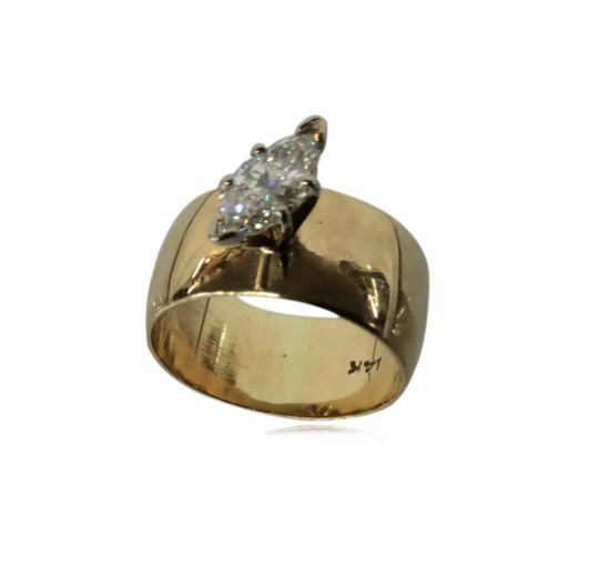 Marquise diamond Solitaire ring set in 14 kt. yellow gold ...With detailed appraisal