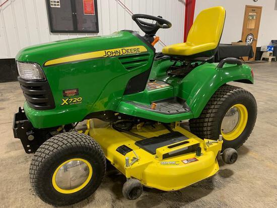 John Deere X7200 RIding Mower