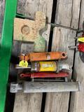(4) Hydraulic Cylinders - 1 Cast Weight