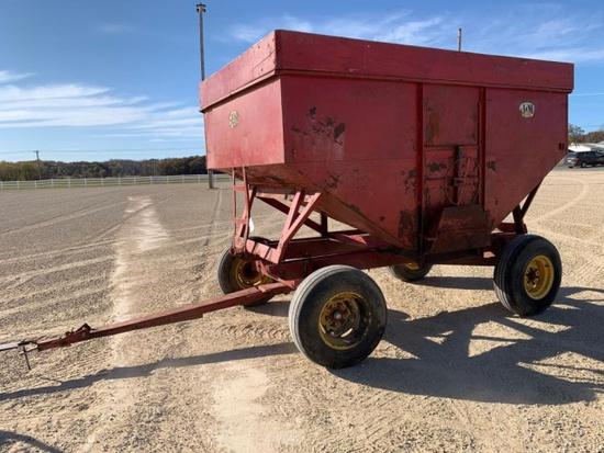 J & M 300 bu Gravity Wagon