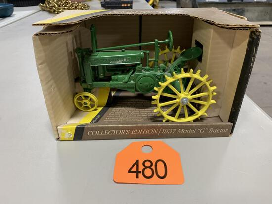 John Deere 1937 G 1/16th Scale Tractor