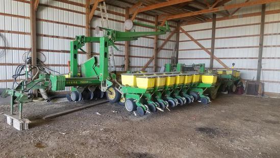 John Deere 7000 series planter