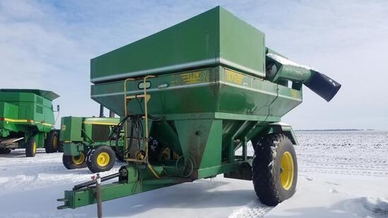 "EZ Flow 475 grain cart, Goodyear 18.4-26"" tires"