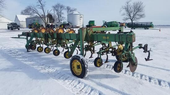 """JD RM 8-30"""" cultivator with rolling baskets, 3 pt."""