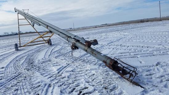 """Hutchison 8"""" x 62' grain auger, pto"""