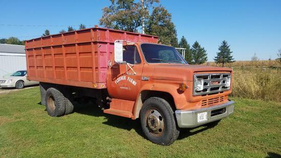 1974 GMC 6000 gas grain truck - VUT