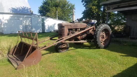 IH M tractor with loader