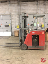 Stand up Dock Stocker DSS 350 Forklift