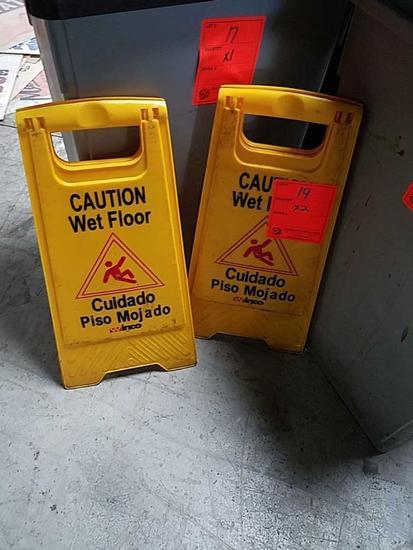 Winco Caution Wet Floor Sign
