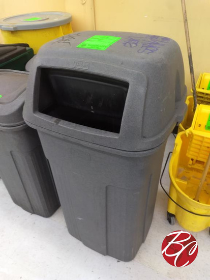 Toter Outside Trash Can W/ Lid