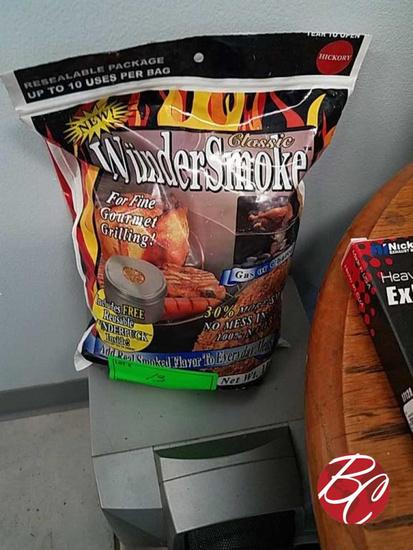 Classic Wundersmoke Hickory Smoker 1lbs