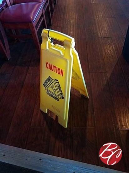 Rubbermaid Caution Wet Floor Signs