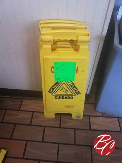 Rubbermaid Caution Wet Signs