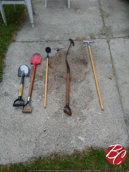 Assorted Lot Of Gardening Tools