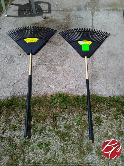 "Yardworks 32"" Leaf Rake"