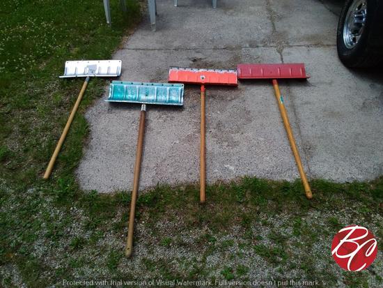Metal Snow Shovels
