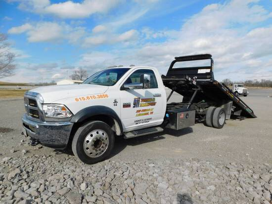 2012 DODGE 5500 HD S/A ROLL-BACK TRUCK