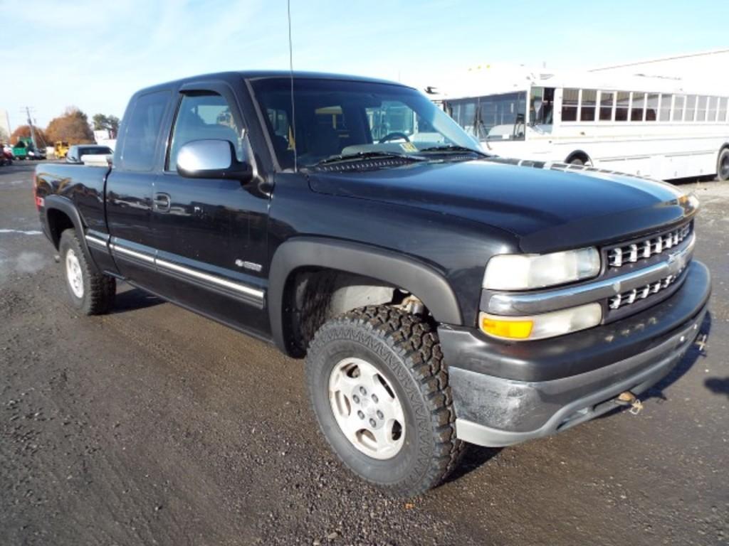 1999 Chevrolet 1500 Ext. Cab 4x4 Pickup Truck