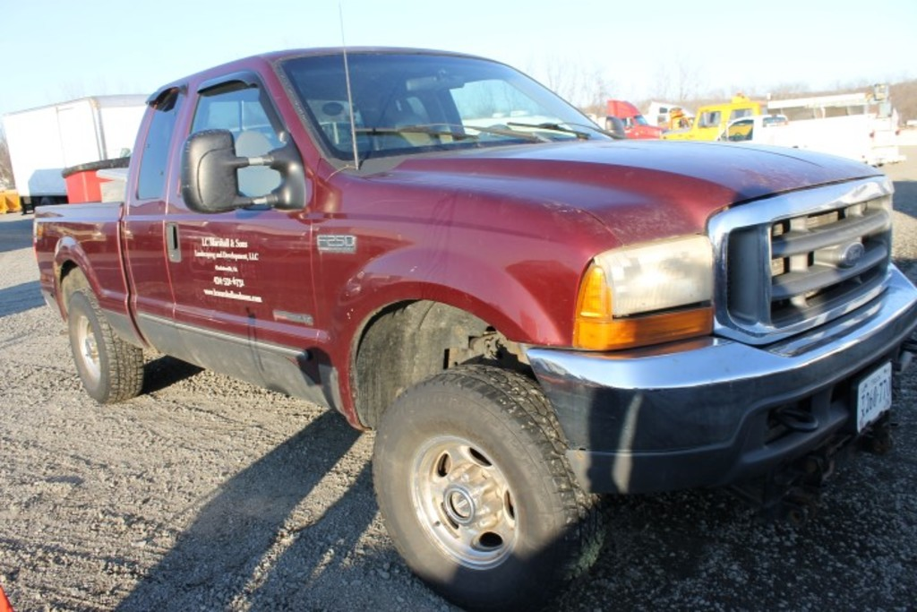 2000 Ford Super Duty Lariat Extend Cab 4x4 Pick Up Truck (Fuel Transfer Issues)