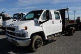 2006 Chevrolet C4500 12' Crew Cab Stakebody Truck (Unit #7991) (Missing Sides)