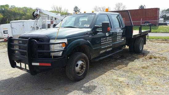 2011 Ford F350XL 4x4 Crew Cab Flat Bed Truck (Unit #T35R)