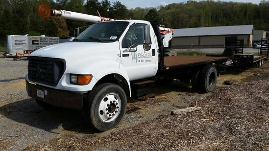 2000 Ford F-750 S/A Flatbed Truck (Unit #BT3)