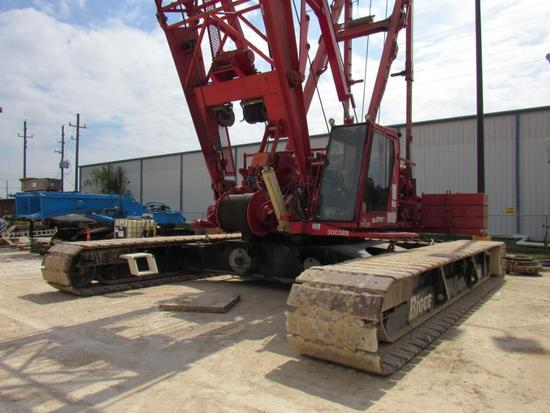 2009 Manitowoc 2250 Series I, II, III, 300 Ton Lattice-Boom Crawler Crane