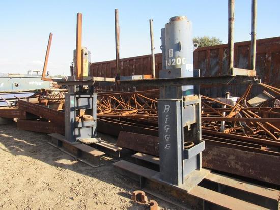 200 Ton Hydraulic Jacks (Unit #RJ200).