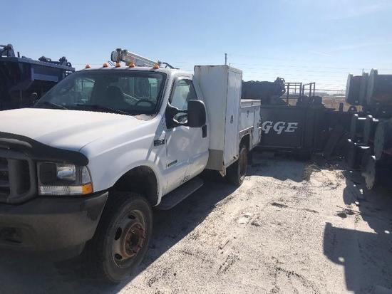 2003 Ford F450 XL Utility Truck