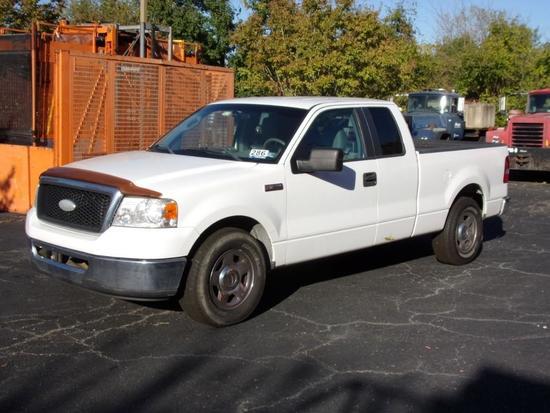2007 Ford F150 XL Ext. Cab Pickup Truck