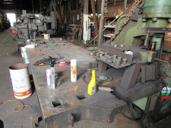 Fabriline Hydraulic C-Frame Metal Punch w/Steel Table