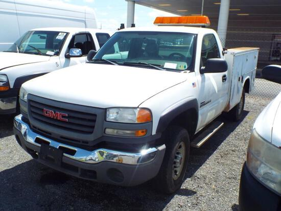 2005 GMC 2500HD SERVICE TRUCK (VDOT UNIT #R08079)