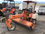 2000 LAY-MORE 8HC BROOM TRACTOR (UNIT #251005)