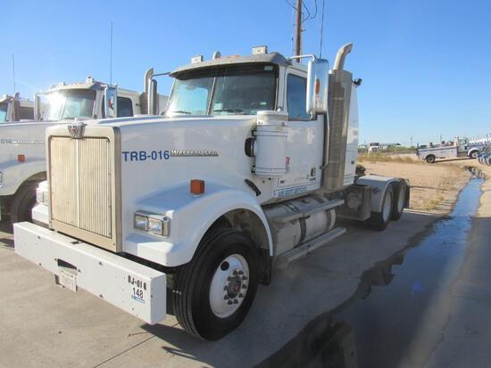 2014 Western Star 4900SF T/A Sleeper Blower Truck Road Tractor (Unit #TRB-016)