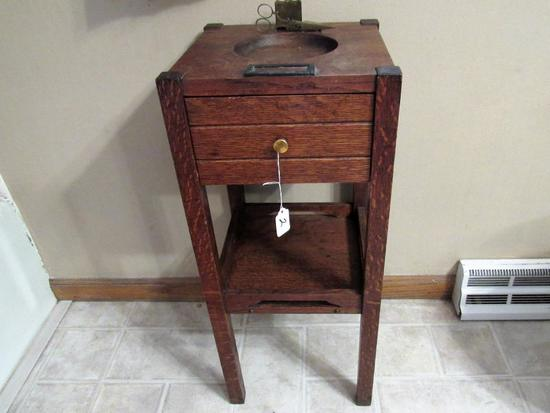 Ashtray stand with cigar cutter
