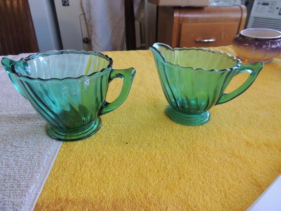 Green glass Swirl pattern sugar creamer set