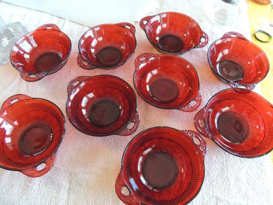 Set of red Coronation Rib berry bowls