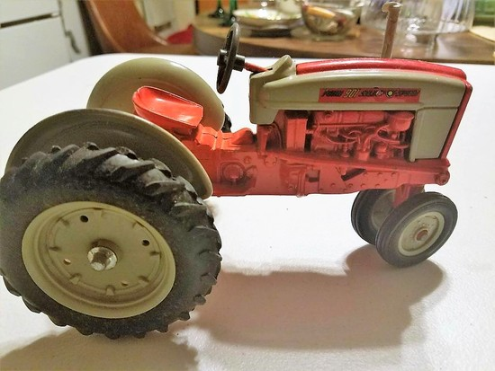 Ford 901 Toy Tractor