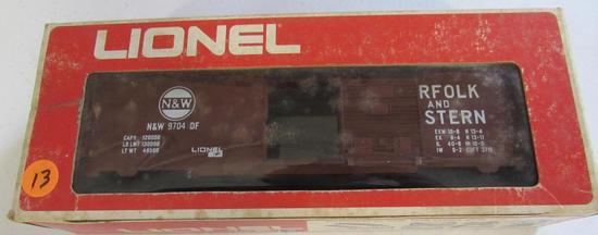 Lionel N & W boxcar