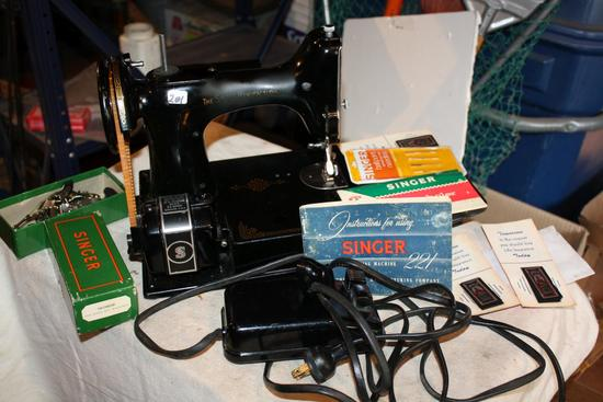 Rare Singer 221 Featherlight Sewing Machine