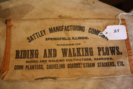 Rare Sattley Mfg. Co. Pouch